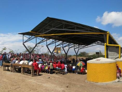 Mahiga-rainwater-court-arquitete-suas-ideias-arquitetura-solidaria (2)